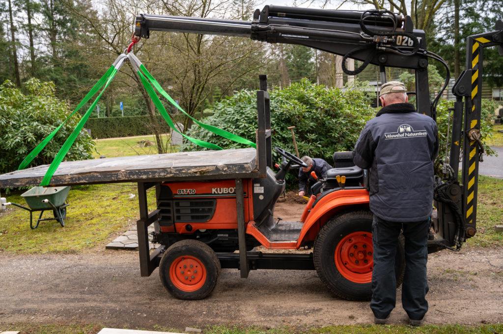 DeAfscheidsfotograaf.nl Servaas Raedts Fotografie 34 1024x681 - Hoe wordt een grafsteen geplaatst?