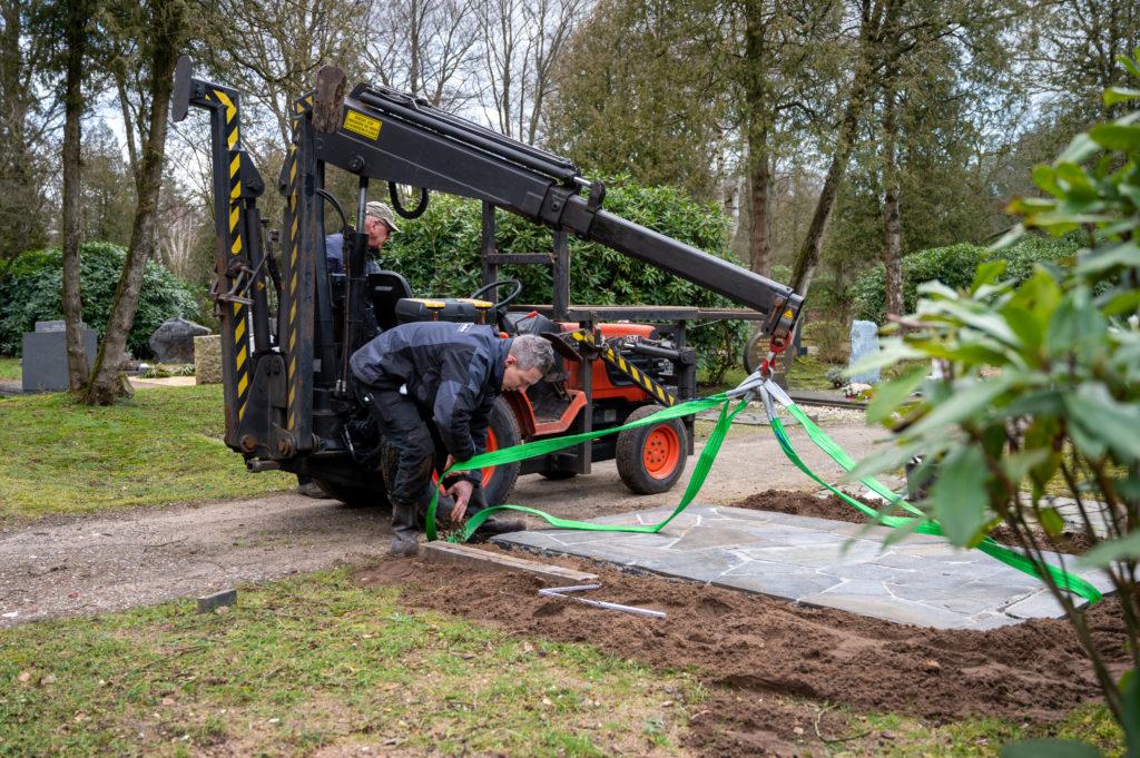 DeAfscheidsfotograaf.nl Servaas Raedts Fotografie 49 1024x681 - Hoe wordt een grafsteen geplaatst?