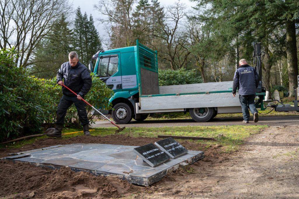 DeAfscheidsfotograaf.nl Servaas Raedts Fotografie 56 1024x681 - Hoe wordt een grafsteen geplaatst?