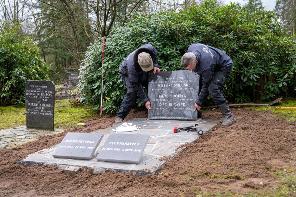 DeAfscheidsfotograaf.nl Servaas Raedts Fotografie 67 1024x681 - Hoe wordt een grafsteen geplaatst?