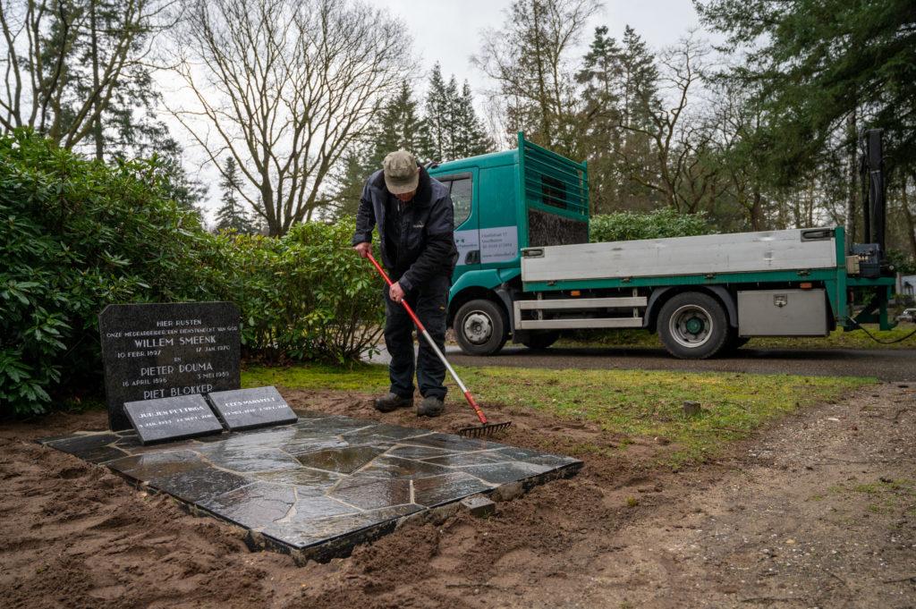 DeAfscheidsfotograaf.nl Servaas Raedts Fotografie 96 1024x681 - Hoe wordt een grafsteen geplaatst?