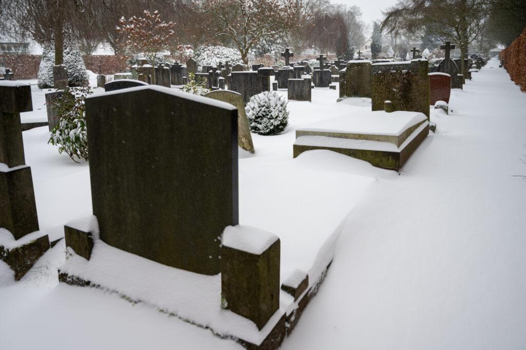 Sneew in Apeldoorn www.fotograaf.camera 21 1024x681 - Sneeuw op een begraafplaats